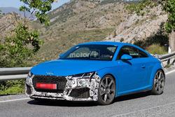 Audi TT RS 2019 (spyshot)