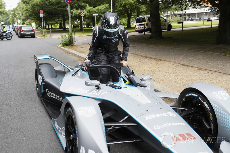 Formula 1 World Champion, Nico Rosberg with the Gen2 Formula E car