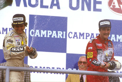 Podio: il vincitore della gara Nelson Piquet, Williams, il terzo classificato Nigel Mansell, Williams