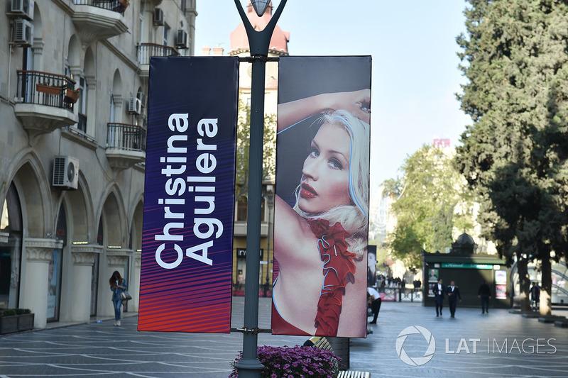 Papan Christina Aguilera