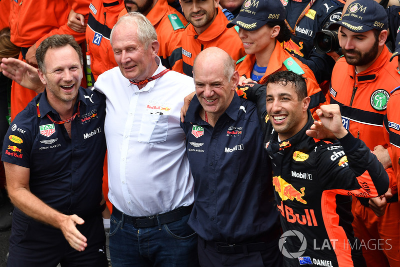 Race winner Daniel Ricciardo, Red Bull Racing celebrates in parc ferme with Christian Horner, Red Bull Racing Team Principal, Dr. Helmut Marko, Red Bull Motorsport Consultant and Adrian Newey, Red Bull Racing