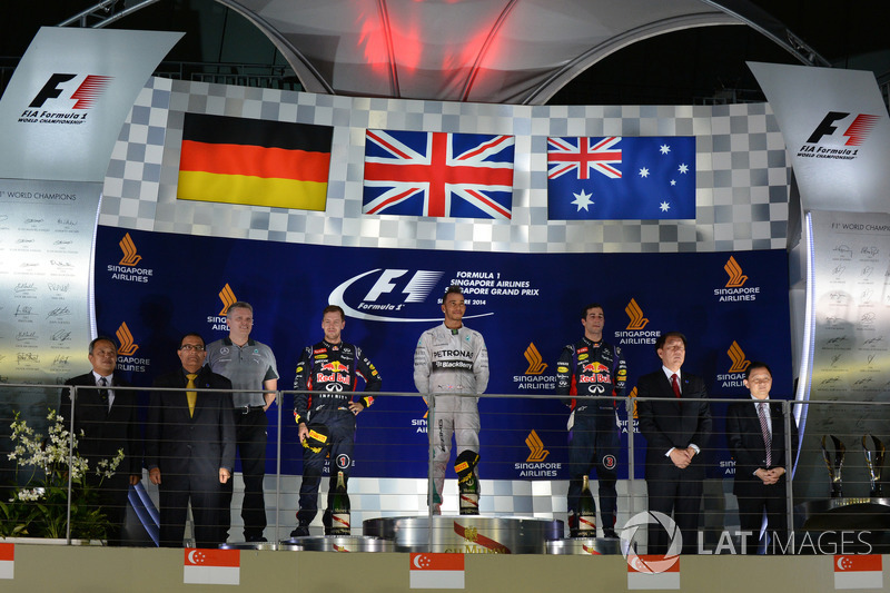 Podio: Lewis Hamilton, Mercedes AMG F1, Sebastian Vettel, Red Bull Racing, Daniel Ricciardo, Red Bull Racing