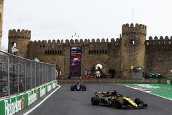 Nico Hulkenberg, Renault Sport F1 Team R.S. 18, Pierre Gasly, Toro Rosso STR13 Honda