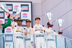 Podium Pro-AM: third place Nick Leventis, Lewis Williamson, Cameron Waters, David Fumaneli, Strakka Racing
