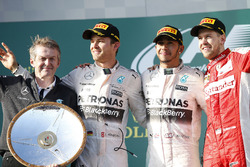 Podium: Thomas Weber, Member of the Board of Management of Daimler AG Group Research & Mercedes-Benz Car Development, second place Nico Rosberg, Mercedes AMG, Race winner Lewis Hamilton, Mercedes AMG, third place Sebastian Vettel, Ferrari