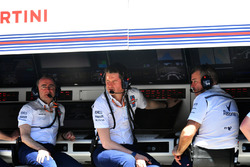 Paddy Lowe, Williams Shareholder and Technical Director and Rob Smedley, Williams Head of Vehicle Pe