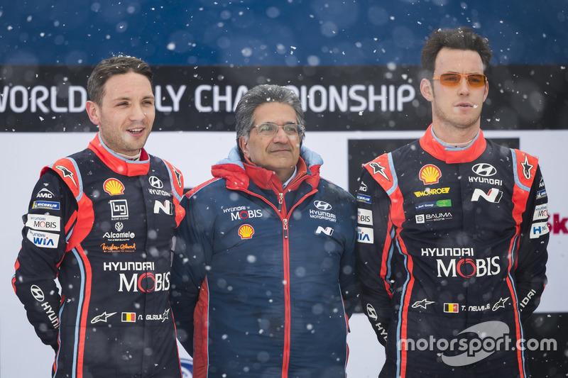 I vincitori Thierry Neuville, Nicolas Gilsoul, Hyundai i20 WRC, Hyundai Motorsport, Michel Nandan