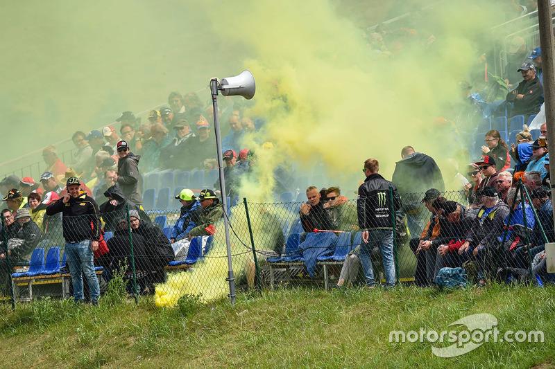 Уболівальники Валентино Россі, Yamaha Factory Racing