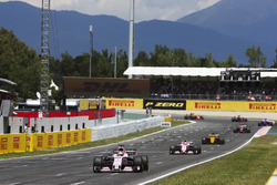 Sergio Pérez, Sahara Force India F1 VJM10, Esteban Ocon, Sahara Force India F1 VJM10, Nico Hulkenberg, Renault Sport F1 Team RS17