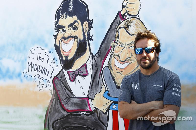 Фернандо Алонсо, McLaren, зі своєю карикатурою