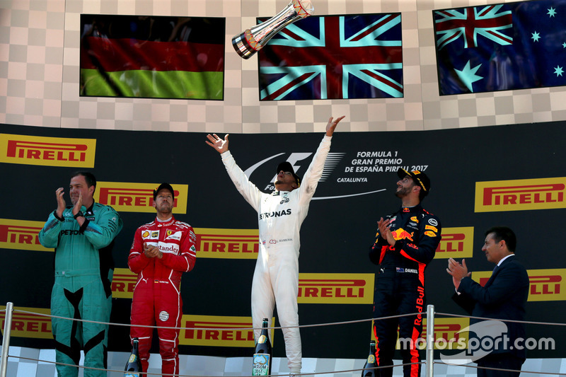 O alemão, aliás, iniciou o ano com consistência exemplar: nas seis primeiras etapas, venceu três e foi segundo colocado nas restantes.