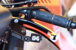 Важіль задніх гальм на кермі мотоцикла Андреа Довіціозо, Ducati Team