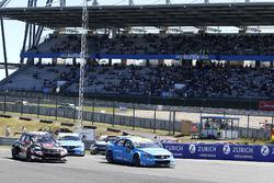Start action, Rob Huff, All-Inkl Motorsport, Citroën C-Elysée WTCC, Nicky Catsburg, Polestar Cyan Racing, Volvo S60 Polestar TC1