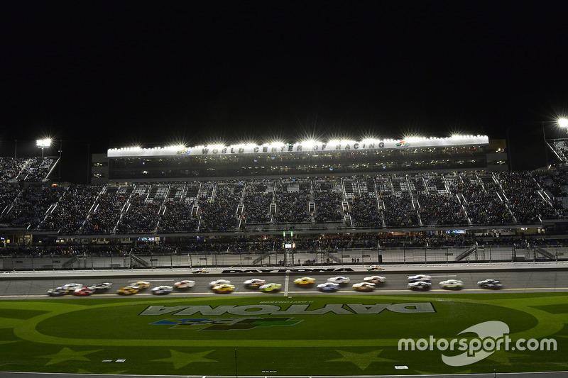 Chase Elliott, Hendrick Motorsports, Chevrolet; Brad Keselowski, Team Penske, Ford; Martin Truex Jr., Furniture Row Racing, Toyota