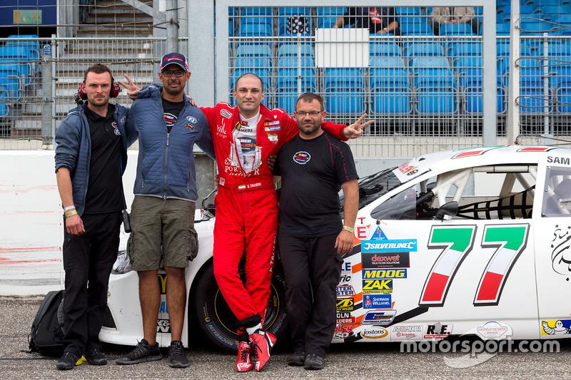 Meisam Taheri, Dog Racing mit dem Team