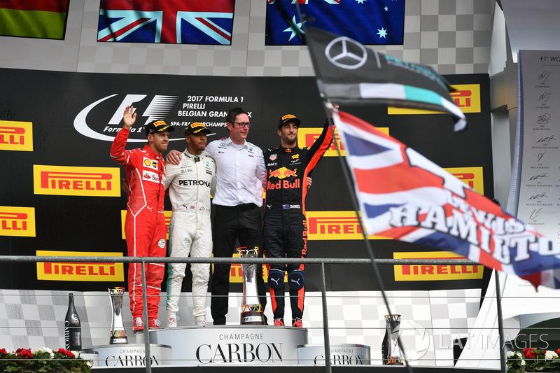 Sebastian Vettel, Ferrari, Lewis Hamilton, Mercedes AMG F1, Andy Shovlin, Mercedes AMG F1 Engineer and Daniel Ricciardo, Red Bull Racing celebrate on the podium