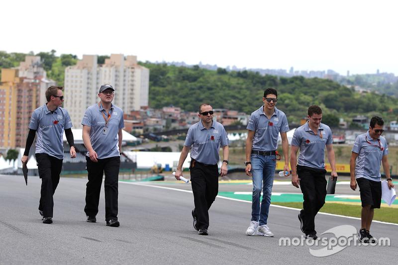 Esteban Ocon, Manor Racing bei der Streckenbegehung