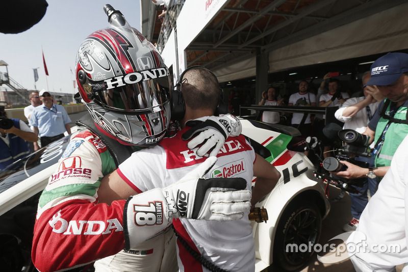 Polesitter: Tiago Monteiro, Honda Racing Team JAS, Honda Civic WTCC
