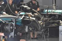 Mercedes-Benz AMG F1 W08 в гараже