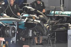 Mercedes-Benz F1 W08 збоку