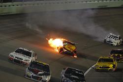Martin Truex Jr., Furniture Row Racing Toyota, crash