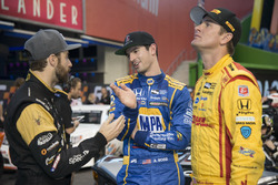James Hinchcliffe, talks with Alexander Rossi and Ryan Hunter-Reay