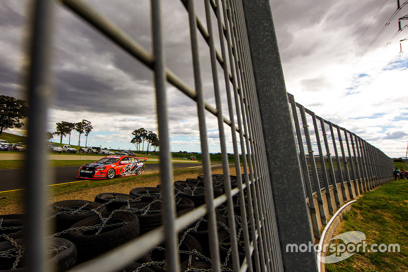 #5: Supercars in Eastern Creek