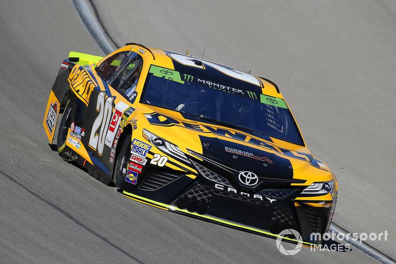 1. Erik Jones, Joe Gibbs Racing, Toyota Camry DeWalt