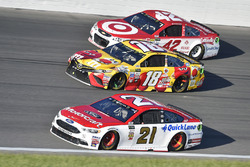 Ryan Blaney, Wood Brothers Racing Ford, Kyle Busch, Joe Gibbs Racing Toyota, Kyle Larson, Chip Ganassi Racing Chevrolet