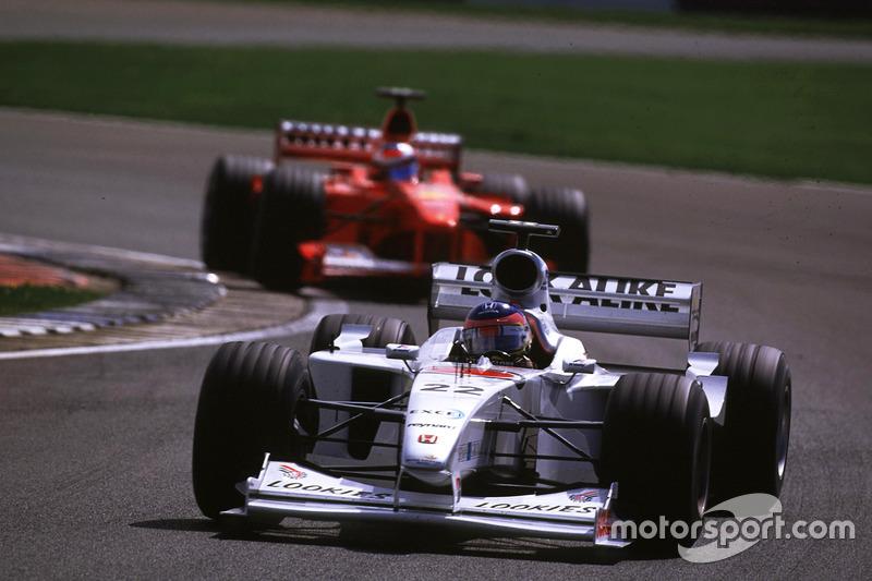 Jacques Villeneuve, BAR y Michael Schumacher, Ferrari