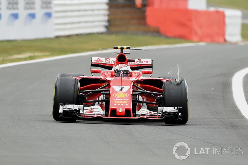 Кімі Райкконен, Ferrari SF70H, прокол