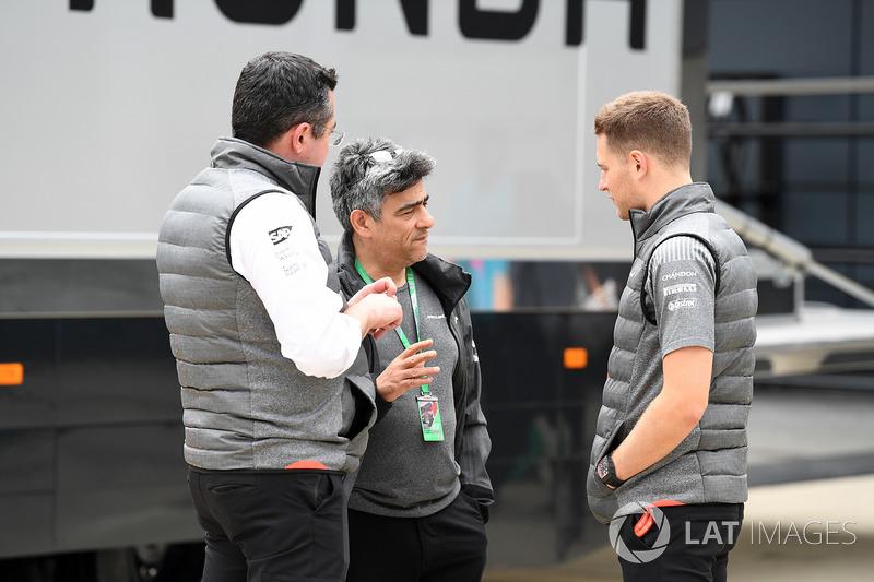Eric Boullier, McLare-Rennleiter, Stoffel Vandoorne, McLaren