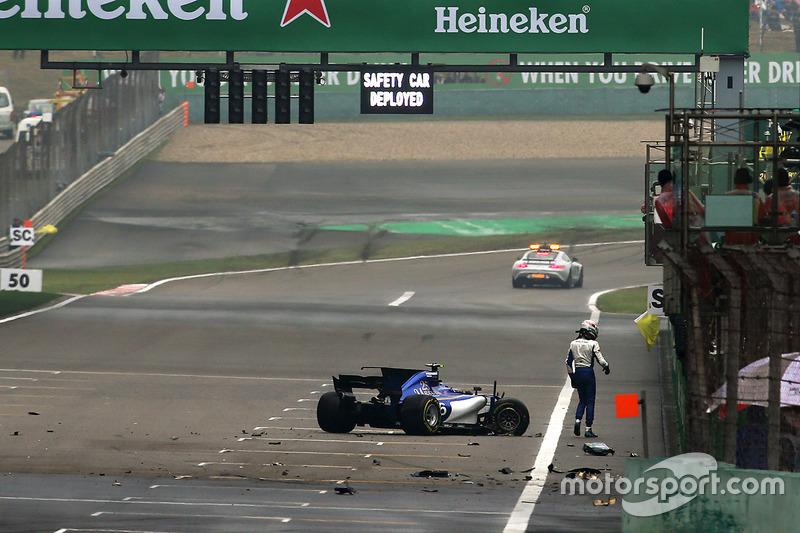 Le crash d'Antonio Giovinazzi, Sauber