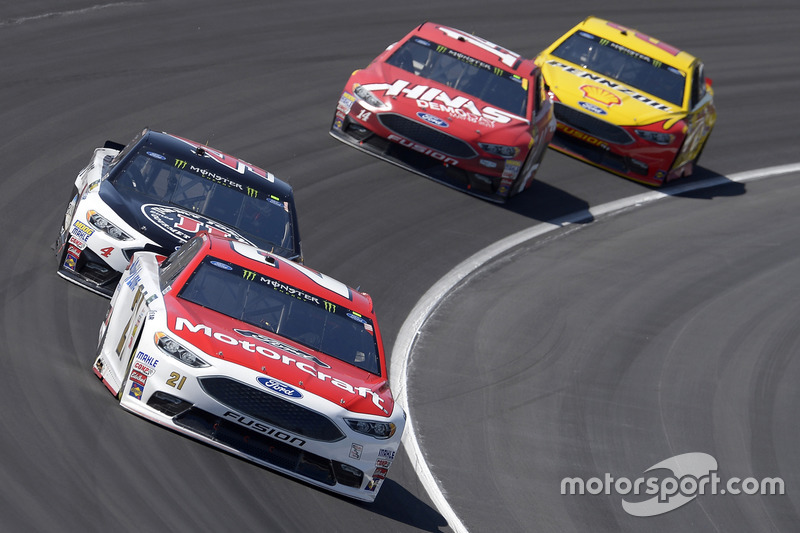 Ryan Blaney, Wood Brothers Racing, Ford; Kevin Harvick, Stewart-Haas Racing, Ford