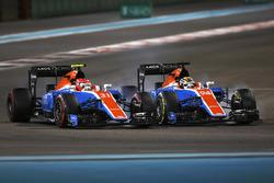 Паскаль Верляйн, Manor Racing MRT05, и Эстебан Окон, Manor Racing MRT05