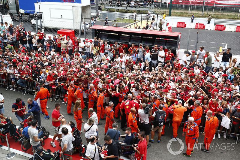 Kimi Raikkonen, Ferrari, signs autogaphs for fans