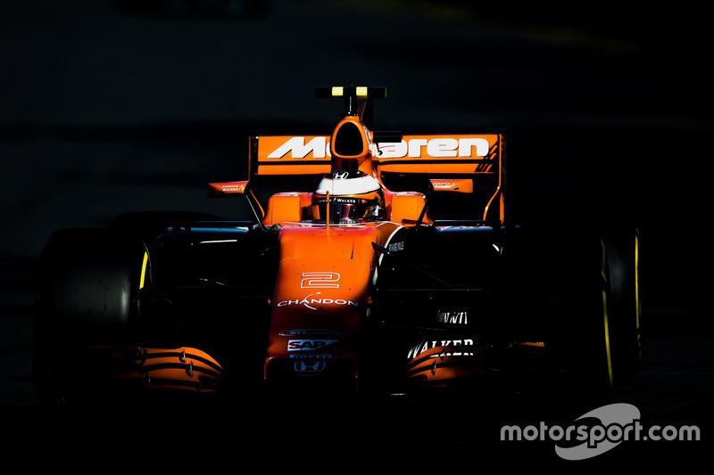 13. Стоффель Вандорн (McLaren)