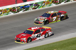 Kyle Larson, Chip Ganassi Racing Chevrolet, Ty Dillon, Tommy Baldwin Racing Chevrolet