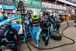 James Moffat, James Golding, Garry Rogers Motorsport Volvo
