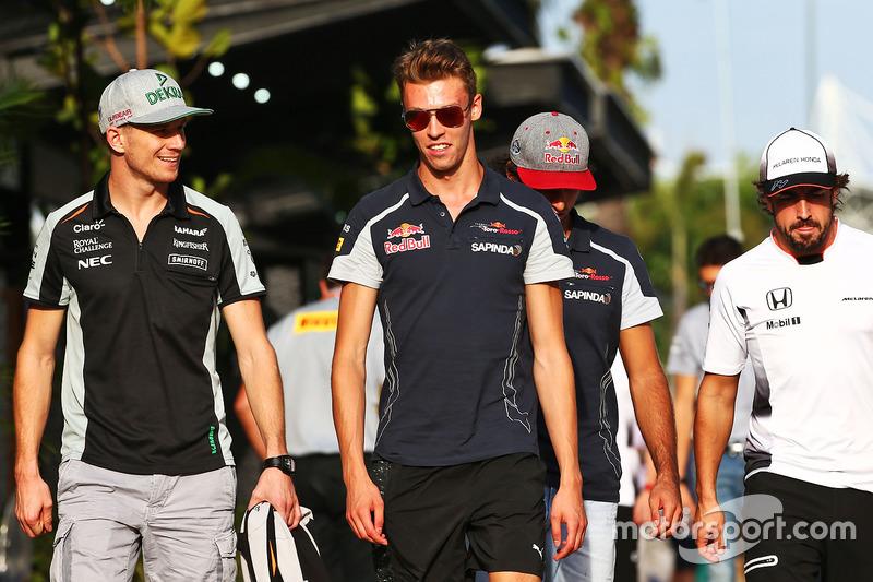 (L to R): Nico Hulkenberg, Sahara Force India F1 with Daniil Kvyat, Scuderia Toro Rosso