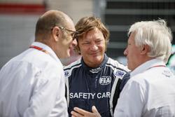 Чарлі Вайтінг, директор гонки, делегат FIA, Бруно Мітчел, та Марко Коделло