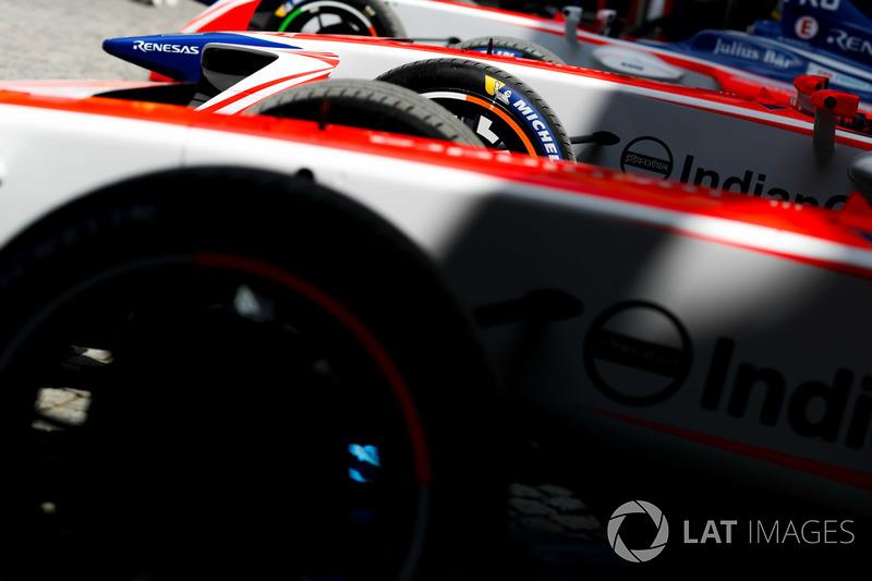 Cars of Felix Rosenqvist, Mahindra Racing, Nick Heidfeld, Mahindra Racing