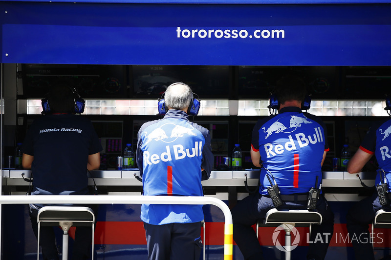 Franz Tost, Team Principal, Toro Rosso, on the pit wall.