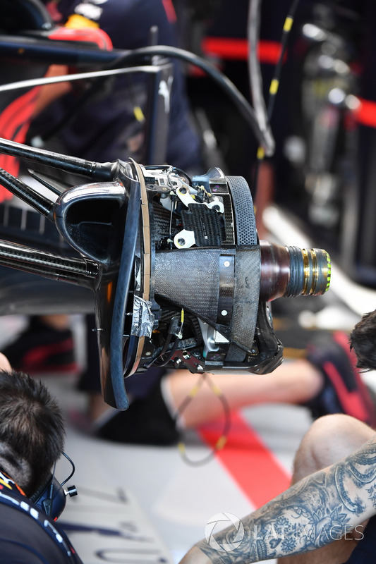 Red Bull Racing RB14 front brake and wheel hub