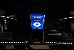 Переднее антикрыло автомобиля Renault e.Dams