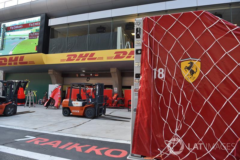 Du fret Ferrari dans la voie des stands