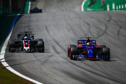 П'єр Гаслі, Scuderia Toro Rosso STR12, Ромен Грожан, Haas F1 Team VF-17