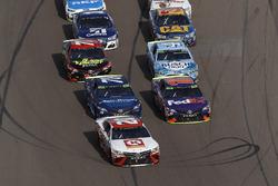 Matt Kenseth, Joe Gibbs Racing Toyota, Denny Hamlin, Joe Gibbs Racing Toyota, restart