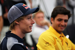 Brendon Hartley, Scuderia Toro Rosso and Carlos Sainz Jr., Renault Sport F1 Team