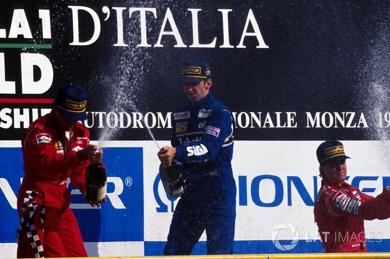 Нижняя ступень подиума досталась Майклу Андретти из McLaren.